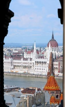 Free Hungarian Parliament Building Stock Photography - 5211512