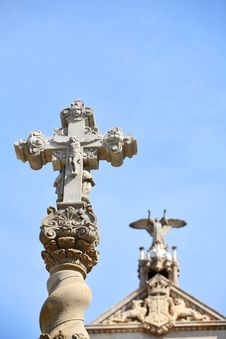 Free Christ On Cross. Barcelona, Spain Royalty Free Stock Images - 5212489