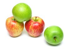Free Ripe Juicy Apples 4 Royalty Free Stock Images - 5213169