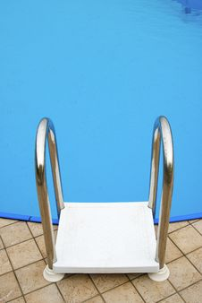 Free Ladder In Metal And Plastic Royalty Free Stock Image - 5216636