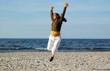 Free Jumping Woman Royalty Free Stock Photos - 5218138