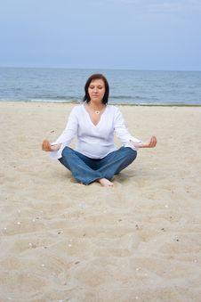 Free Pregnant On The Beach Stock Photos - 5225523