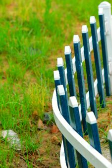 Free The Blove Picket Fencing Royalty Free Stock Images - 5226419