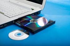 Free DVD-rom Of Laptop Royalty Free Stock Photos - 5230288