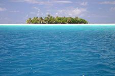 Free Lovely Island Rangiroa. Royalty Free Stock Photo - 5233245