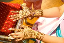Free Indian Wedding Bride Getting Henna Applied Stock Photography - 5233822