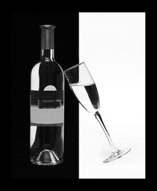 Free Bottle And Wineglass With Wine Are Line Drawing Stock Photo - 5234140