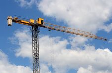 Free Lifting Crane Uder Blue Sky Stock Photography - 5234492