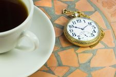 Free Vintage Watch And Coffee Royalty Free Stock Photography - 5238477