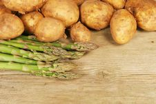Free Asparagus And Potatoes Royalty Free Stock Photos - 5241128