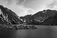 Free Dusk At Convict Lake Royalty Free Stock Photo - 5243615