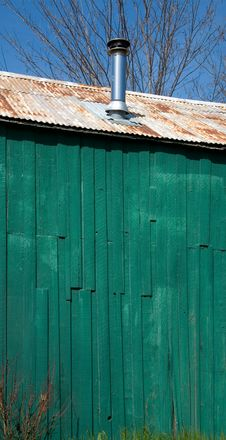 Free Green Farmhouse Wall Stock Images - 5244874