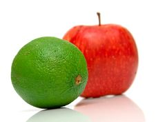 Free Red Apple And Green Kiwi Royalty Free Stock Image - 5245146