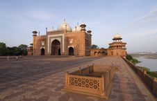 Free Side Building Of Taj Mahal Stock Photography - 5247392