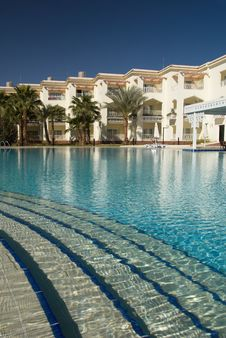 Free Tropical Resort Royalty Free Stock Photos - 5249958