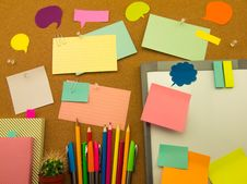 Free Colorful Balloons And Notes (Cork Board Background) Stock Photography - 52423182