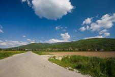 Free Road On Sunny Day Stock Photos - 5252493