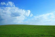 Free Blue Over Green Royalty Free Stock Photography - 5255897