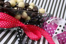 Free Chocolate Balls Royalty Free Stock Image - 5257016