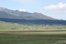 Free Mountain And Cloud Stock Photos - 5258623