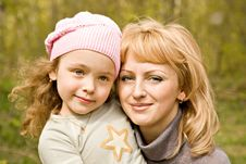 Free Mum And Daughter On The Nature Stock Image - 5259211