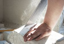 Free Worker Saw Sawing Bricks Royalty Free Stock Photography - 52521047