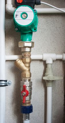 Free System Of Pipes And Valves Heating Stock Photography - 52521832