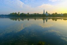 Quiet Sunny Summer Morning On The Banks Of The Volga In Tver Royalty Free Stock Photography