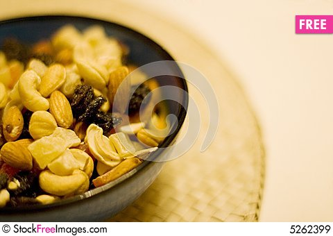 Free Mixed Nuts And Dried Fruits Royalty Free Stock Images - 5262399