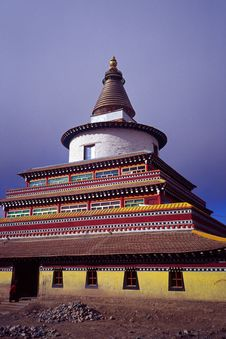Free Tibetan Pagoda Royalty Free Stock Photo - 5260335