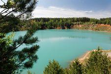 Free Turquoise Lake 2 Royalty Free Stock Images - 5263329