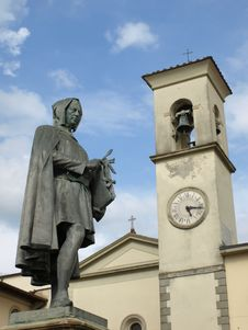 Statue Of Giotto And Bell S Tower Royalty Free Stock Photo
