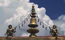 Free Tibetan Tempel Roof Stock Images - 5264384