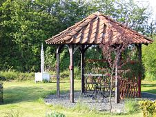 Free Beautiful Home Garden Gazebo Stock Images - 5266164