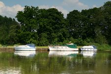 Free Boats On The River Thames Royalty Free Stock Photos - 5266748