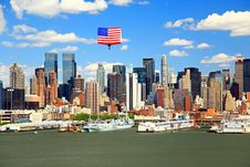 Free The Mid-town Manhattan Skyline Stock Photos - 5267403