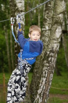 Free Boy Climbing Royalty Free Stock Photography - 5271827
