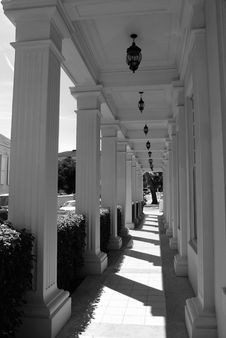 Free The Lane Of Columns Stock Image - 5276191