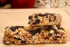 Free Organic Oat Honey Chocolate Chip Snack Bars Stock Photo - 5276420