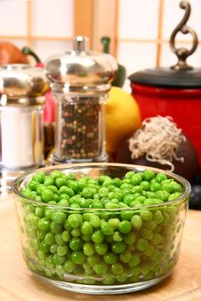 Free Green Peas Royalty Free Stock Photography - 5276497