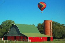 Free BalloonAndBarn Royalty Free Stock Image - 5276586