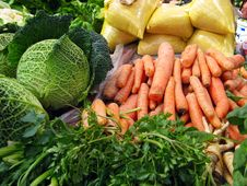 Free Carrot And Cabbage Vegetable Selling At Piazza Royalty Free Stock Photography - 5277247