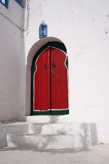 Free Red Arabic Door Royalty Free Stock Images - 5279189