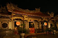 Free Chinese Temple Night Scene Royalty Free Stock Photography - 5280907