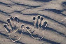 Free Hand Stamp On The Sand Royalty Free Stock Image - 5282766