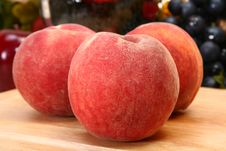 Free Peaches Stock Photo - 5285650