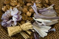 Free Potpourri Lavender Royalty Free Stock Photography - 5288037