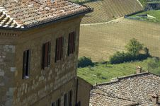 Free Italian Village And Surrounding Fields Royalty Free Stock Photography - 5289317