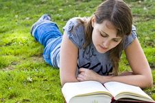 Free Young Woman Reading A Book Stock Photography - 5289542