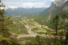 Free North Ridge Of Mount Rundle Royalty Free Stock Images - 5292959